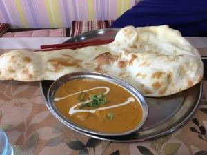 インド料理シナモン チキンカレー(甘口) ナン