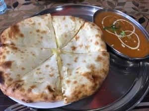 インド料理シナモン キーマカレー(激辛) チーズナン